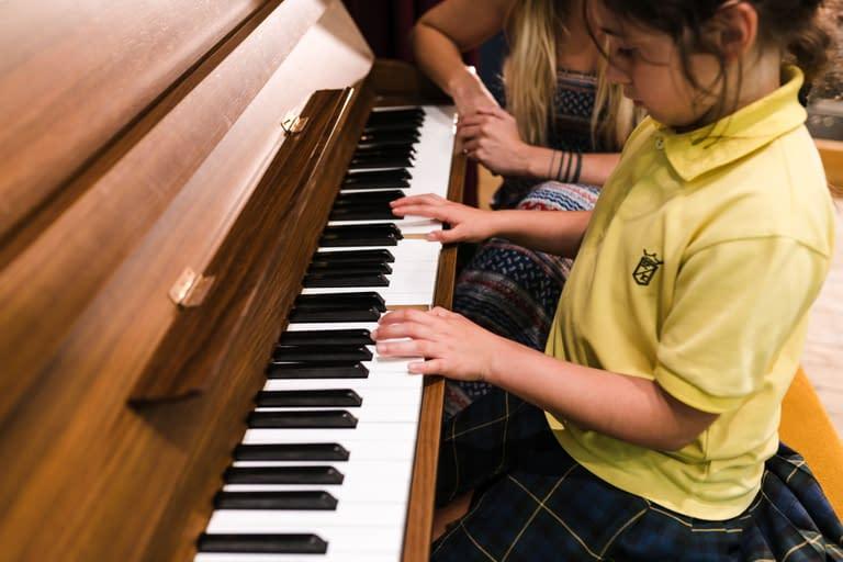International School Barcelona - Piano lesson